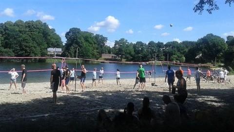 Beachvolleybaltournooi zaterdag 9 juli bij het oude zwembad van Tynaarlo weer groot succes!